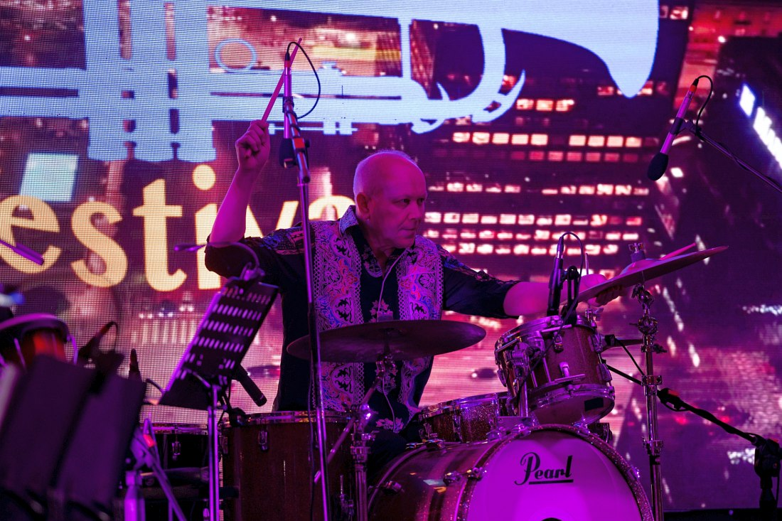 Apple Tea veteran, drummer Aleksandr Sapega