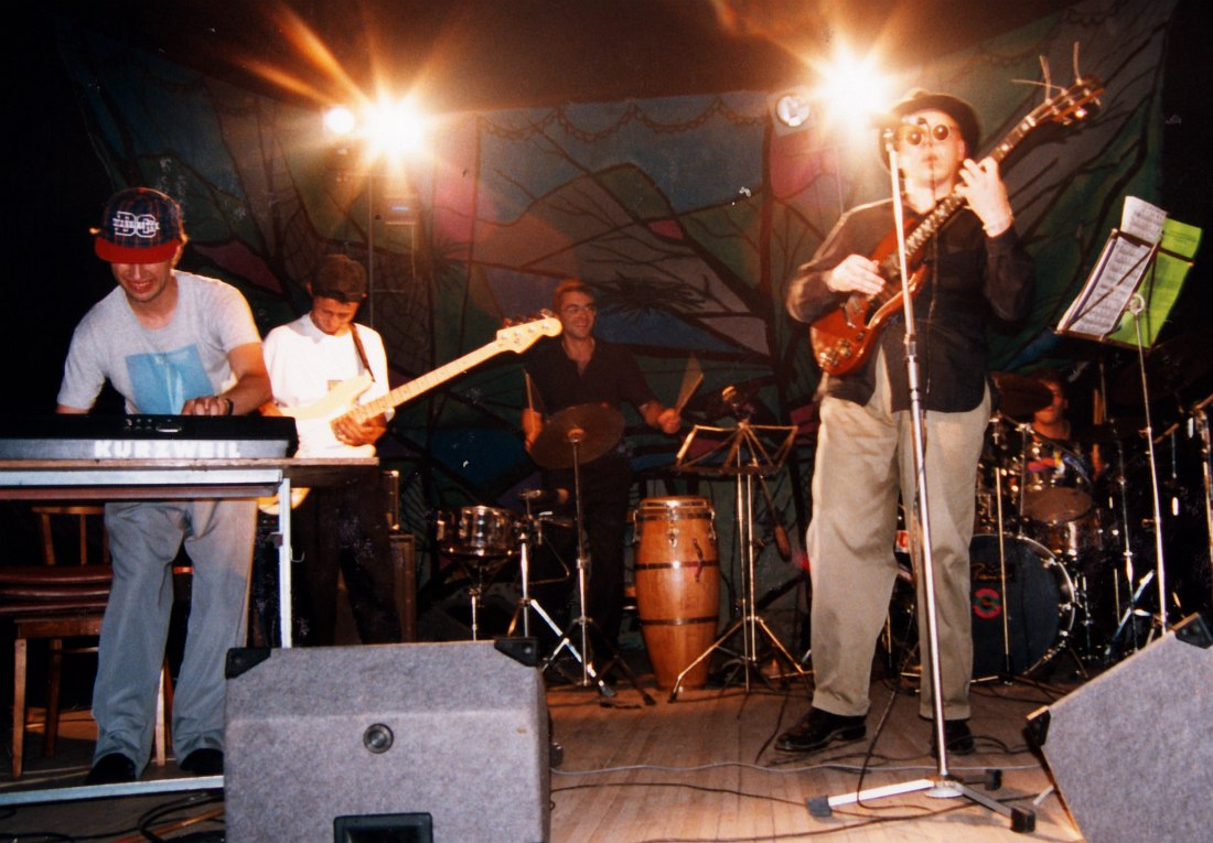 Belinov Blues Band, 1995: Андрей Кондаков, Олег Тархов, с гитарой Валерий Белинов