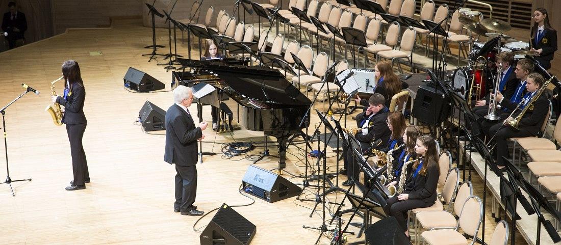 Народный детский эстрадный оркестр Центра Немецкой Культуры (с. Кубанка), I место в категории «Биг-бэнд»