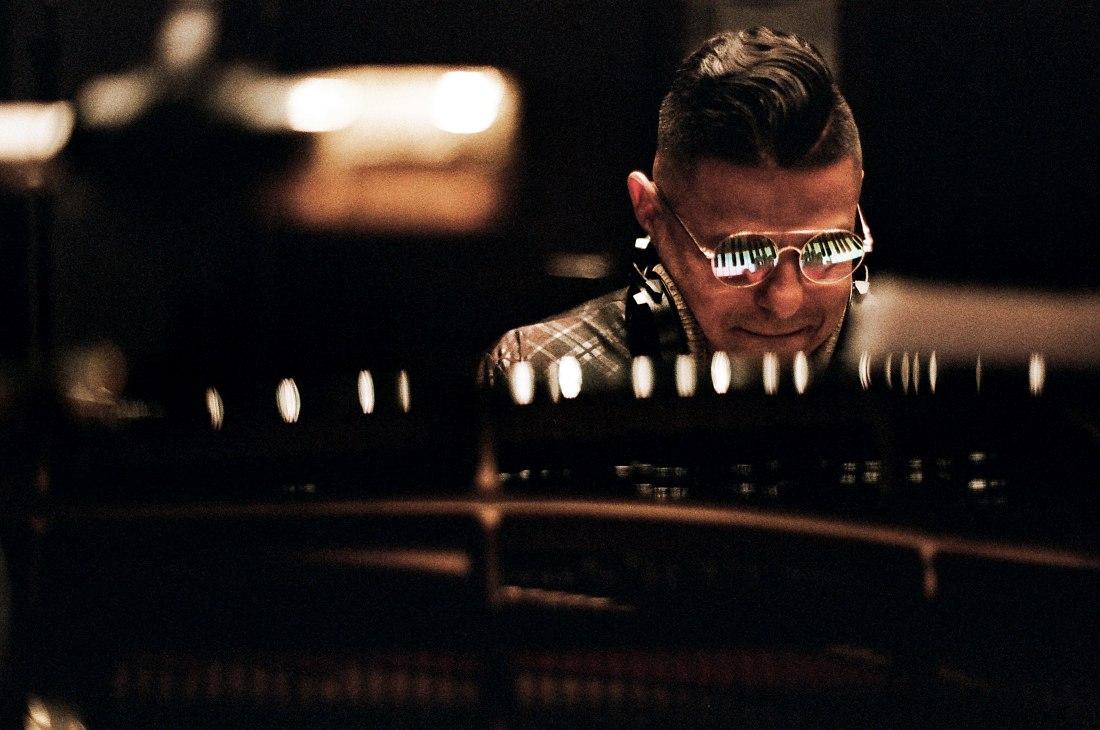Benit Gonzalez. Запись альбома в московской студии CineLab (фото © Евгений Петрушанский)