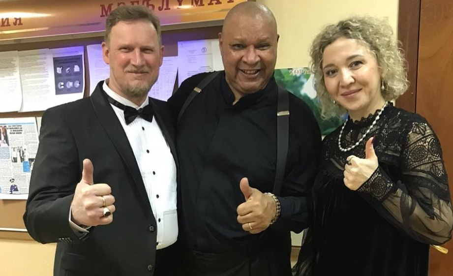 Рэй Браун-мл. и организаторы фестиваля