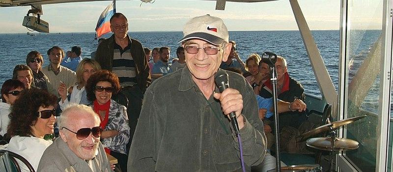 Натан Лейтес на борту «Джазовых пароходов»