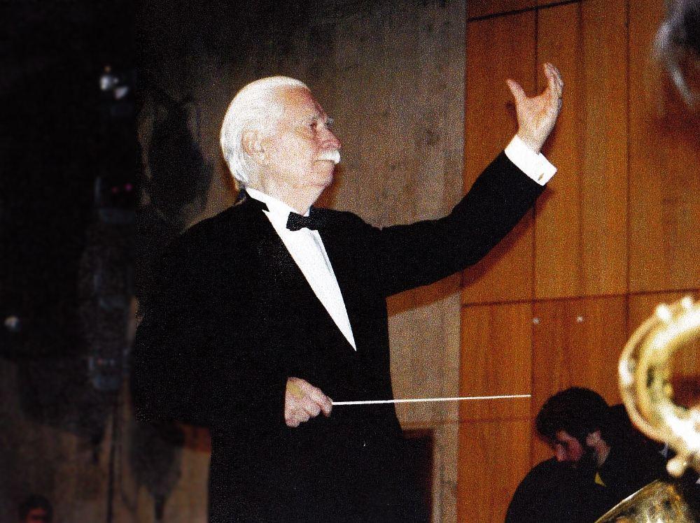 Олег Лундстрем в концертном зале Центрального Дома художников, середина 1990-х (фото © Анисим Соркин)
