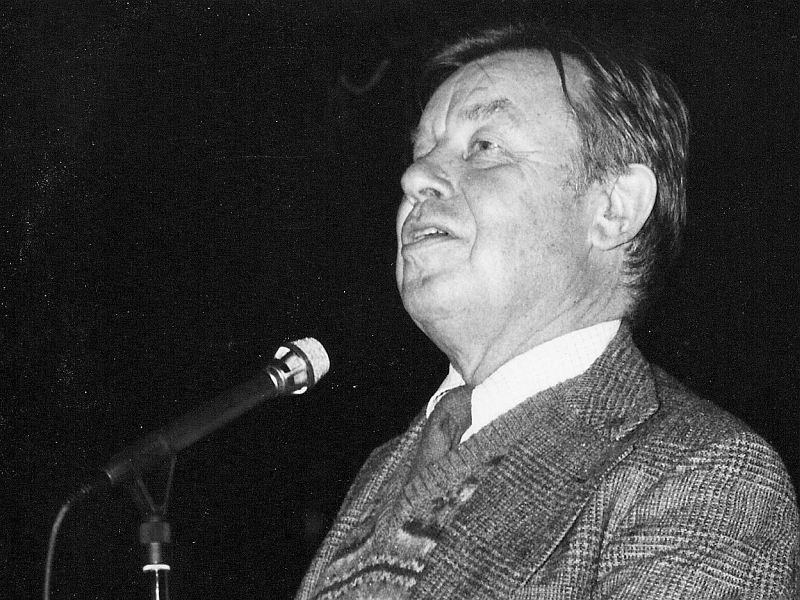 Phil Elwood (1926-2006)