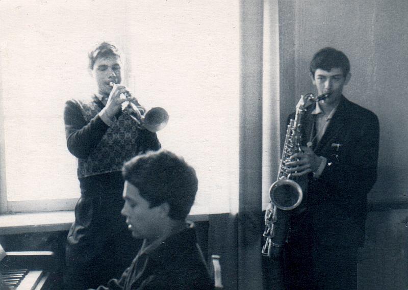 Первые шаги в джазе. А.Банных и Валерий Кацнельсон. Воронеж, 1963. Фото © Валерий Кацнельсон
