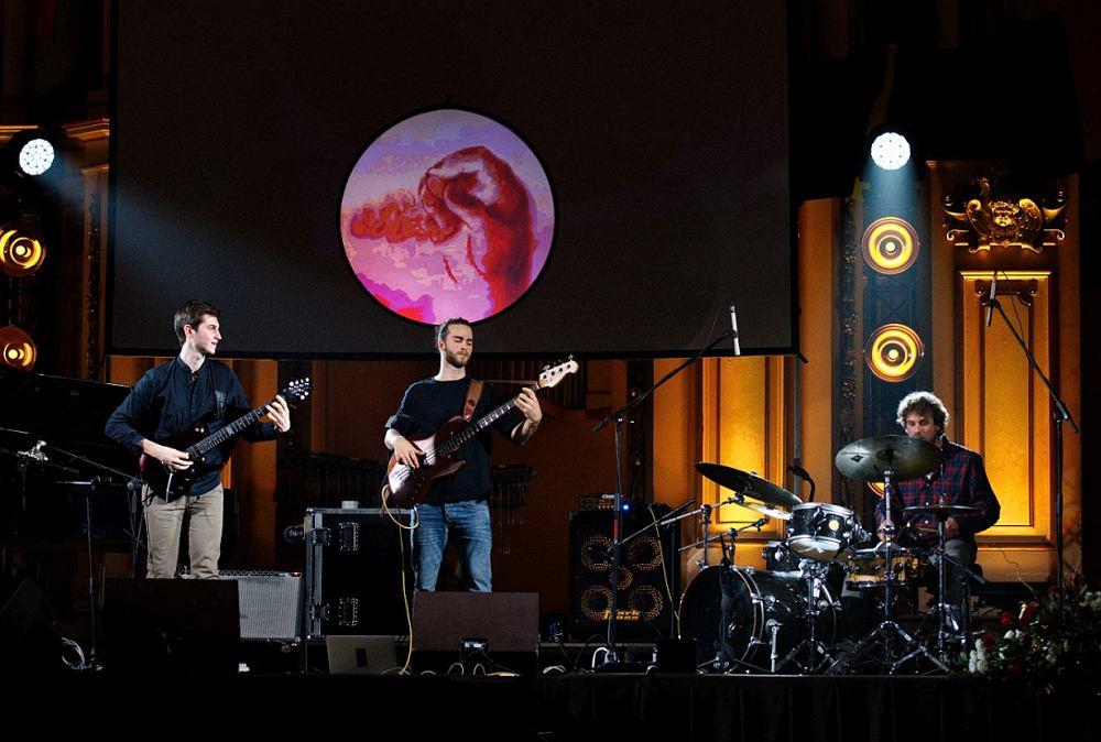 NOVA на сцене (фото © Олег Панов)