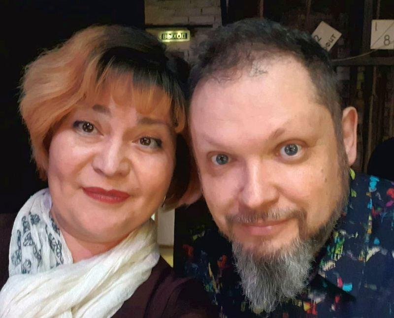 Автор репортажа и Кирилл Мошков за сценой фестиваля