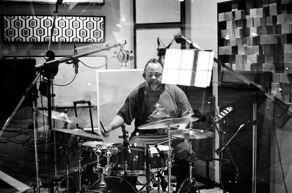 Тэйн Уоттс на записи альбома (фото © Евгений Петрушанский)