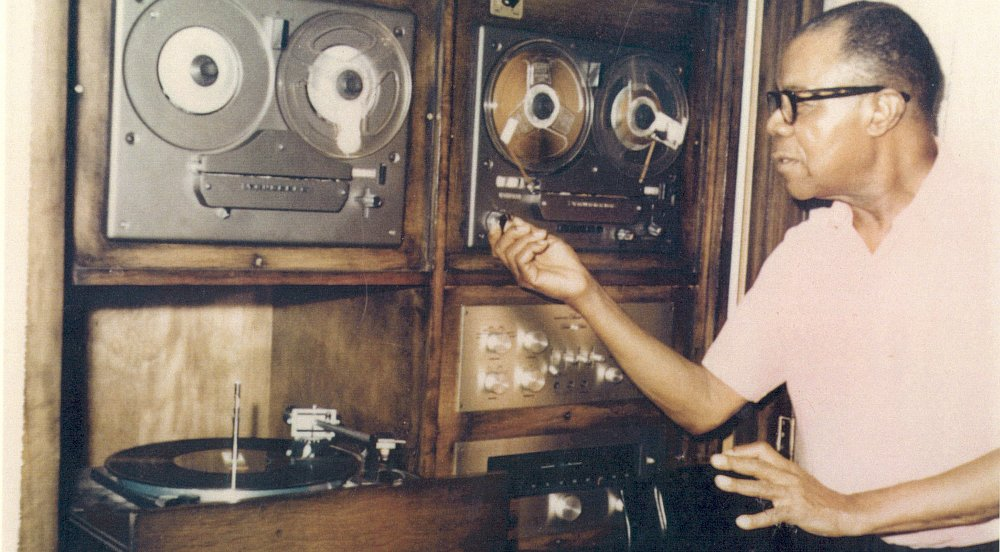 Луи Армстронг в своём «логове», 1960-е