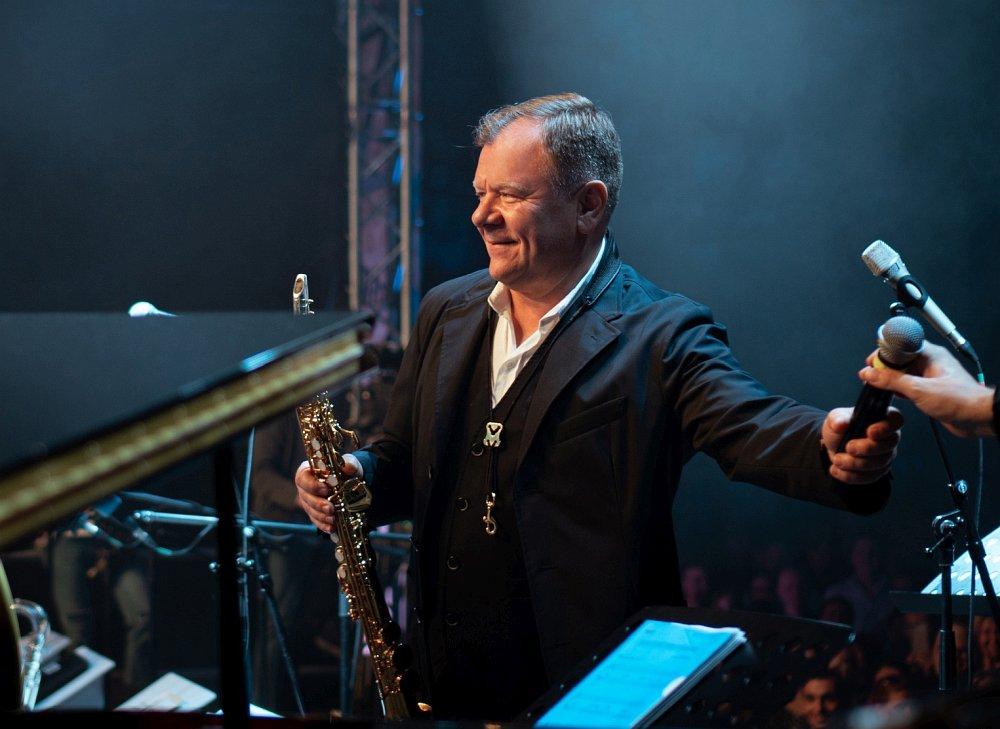 Игорь Бутман на сцене фестиваля в Горках Ленинских
