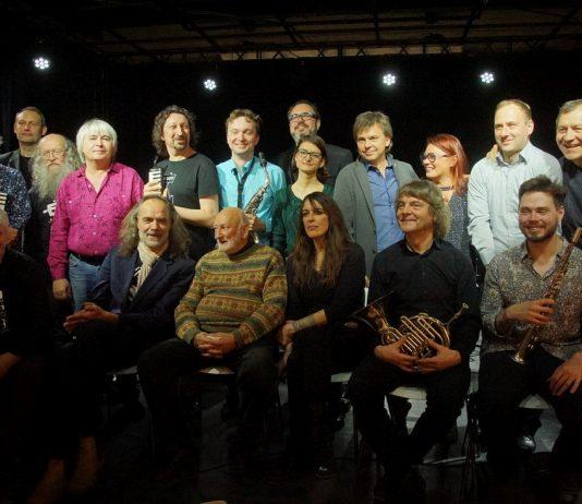 Все участники гала-концерта VIII фестиваля современной импровизационной музыки Leo Records Festival in Russia. Фото © Дмитрий Конрадт